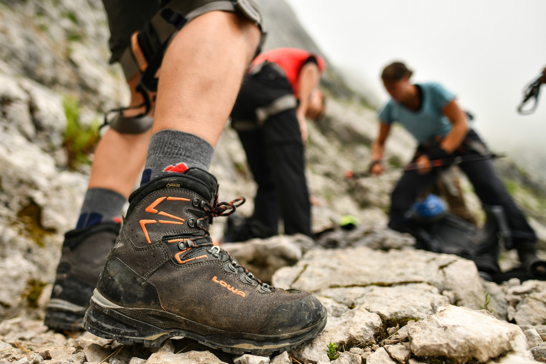 Klettersteigset Leihen Garmisch : Mit bergführer übers höllental auf die zugspitze alpinschule garm