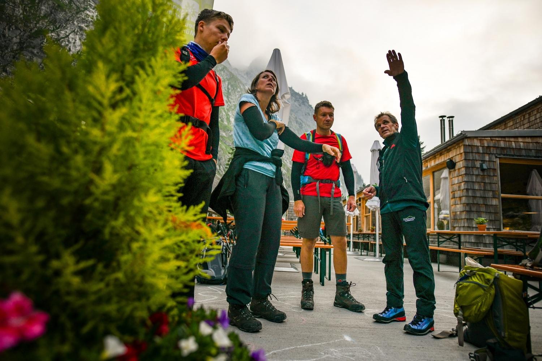 Klettersteigset Ausleihen Garmisch : Mit bergführer übers höllental auf die zugspitze alpinschule garm