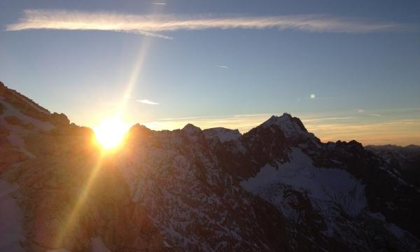 Kletterausrüstung Garmisch Leihen : Alpinschule garmisch führung jubiläumsgrat mit bergführer