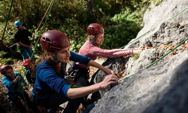Kletterausrüstung Garmisch Leihen : Outdoor rock climbing courses alpinschule garmisch