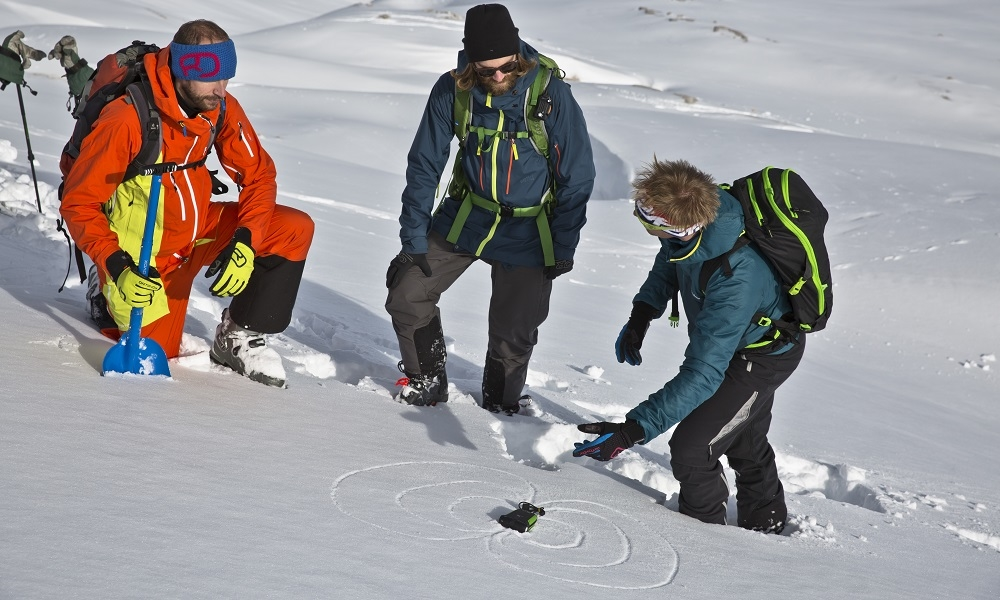 Kletterausrüstung Verleih Garmisch : Tage lawinenkurs mit bergführer alpinschule garmisch