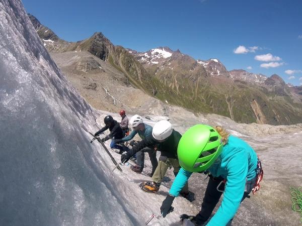 Klettersteigset Ausleihen Garmisch : Hochtourenkurs gletscherkurs bei der alpinschule garmisch