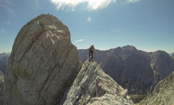 Kletterausrüstung Garmisch Leihen : Überschreitung des blassengrat mit der alpinschule garmisch