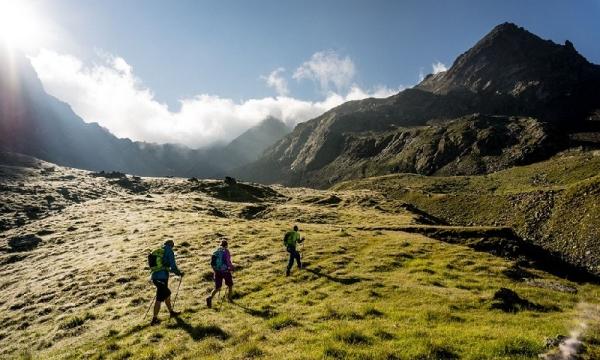 Klettersteigset Ausleihen Garmisch : Alpenüberquerung garmisch meran inkl. gepäcktransport alpinschule g