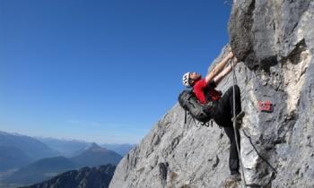 Kletterausrüstung Ausleihen Innsbruck : Innsbrucker klettersteig mit bergführer alpinschule garmisch