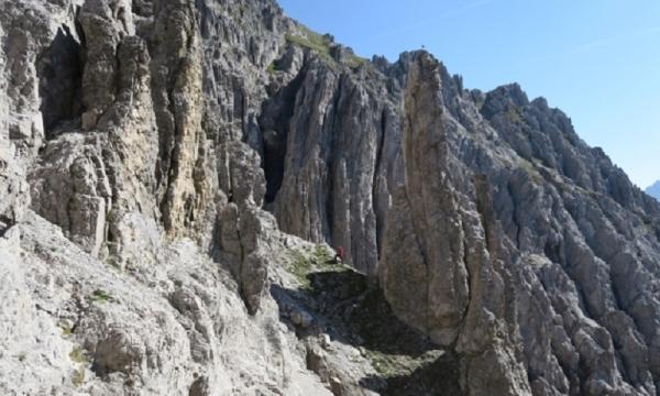 Klettersteigset Ausleihen Garmisch : Verwegener zirler klettersteig in traumhafter gebirgslandschaft